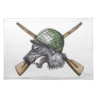 Gekreuzte Gewehr-Tätowierung des grauen Wolf-WW2 Stofftischset