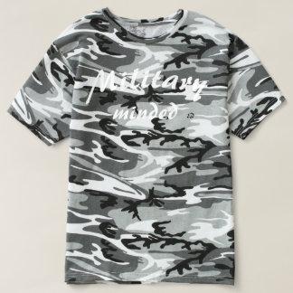 Gekümmertes Soldat-städtisches T-shirt