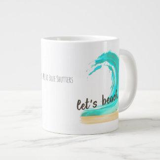 Gelassen uns es auf den Strand setzen! Riesige Jumbo-Tasse