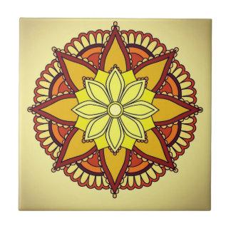 Gelb-orangeer Blumen-Entwurf Kleine Quadratische Fliese