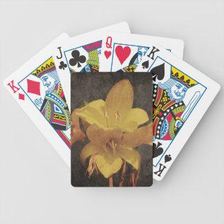Gelbe asiatische Lilie auf altem grunged Leinwand Bicycle Spielkarten