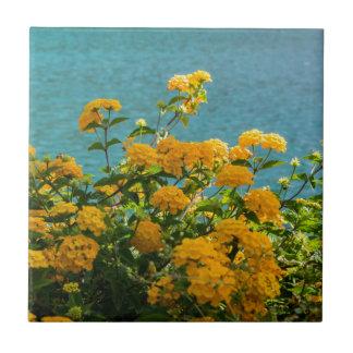 gelbe Blumen für die gute Stimmung täglich Keramikfliese
