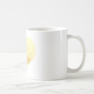 Gelbe Herz-Strand-Hochzeit Tasse
