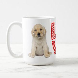 Gelbe Labrador-Retriever-Welpen-Hunderot-Liebe Kaffeetasse