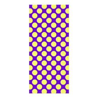Gelbe Polka-Punkte mit lila Hintergrund STaylor Werbekarte