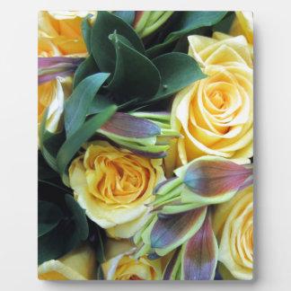 Gelbe Rosen-Knospen Fotoplatte