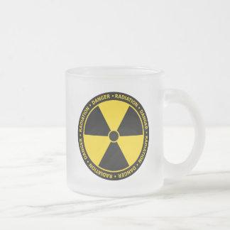 Gelbe Strahlungs-Symbol-Tasse Mattglastasse