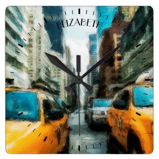 Gelbe Taxis nach Regen in New York City Quadratische Wanduhr