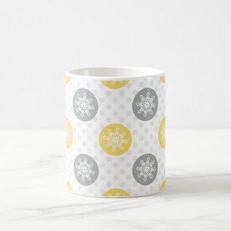 gelbe und graue Gekritzel-Feiertags-Ikonen Tasse