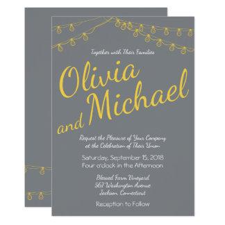 Gelbe und graue Hochzeits-Einladung mit Lichtern Karte