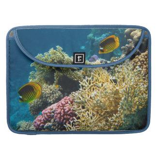 Gelbe und schwarze Schmetterlings-Fische Sleeve Für MacBook Pro