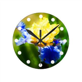 Gelbe und violette Iris-Uhr Runde Wanduhr