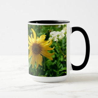 Gelbe Wildblume-Diva Tasse