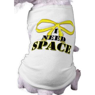 Gelber Hund benötige ich Raum-Shirt Shirt