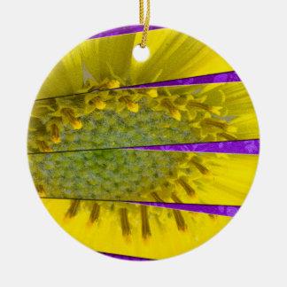 Gelber Platten-Entwurf der Blumen-vier Rundes Keramik Ornament