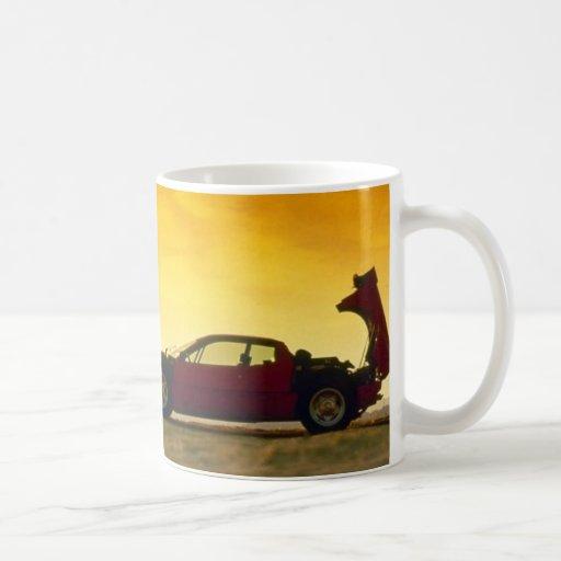 Gelber Sportwagen Tee Tassen