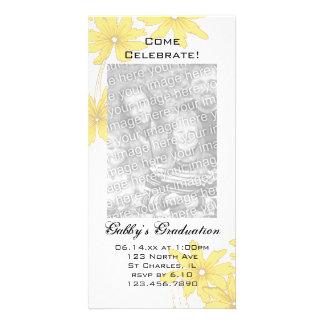Gelbes Gänseblümchen-Abschluss-Party laden Individuelle Fotokarte