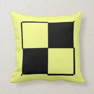 Gelbes schwarzes Schachbrett-Neonkissen durch Kissen