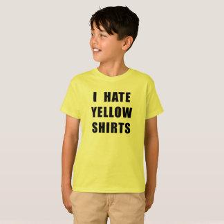 Gelbes Shirt hasse der gelben Shirts des Jungen
