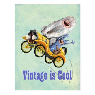 Gelbes Vintages Monster-Auto Postkarte