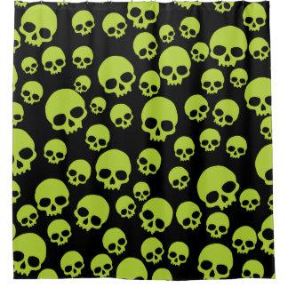 Gelegentliches grünes Schädel-Muster Duschvorhang