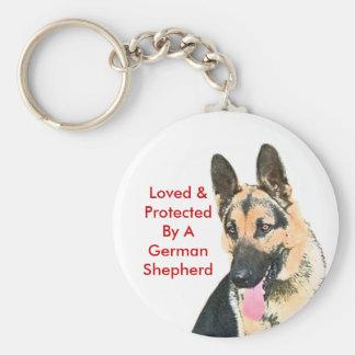 Geliebt u. durch einen Schäferhund geschützt Schlüsselanhänger