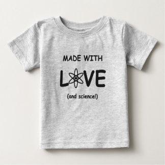 Gemacht mit Liebe-(und Wissenschaft) Shirt