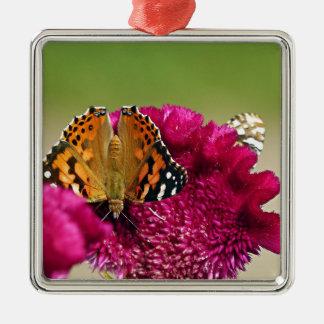 Gemalte Dame Butterfly Quadratisches Silberfarbenes Ornament