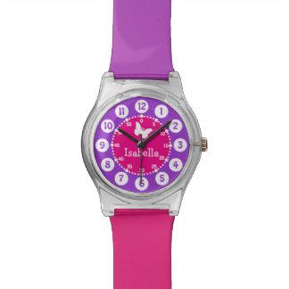 Genannte rosa lila nummerierte Uhr