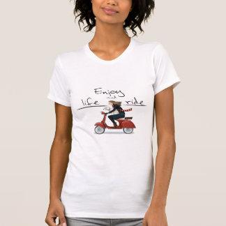Genießen Sie das Leben und reiten Sie Vespa T - T-Shirt