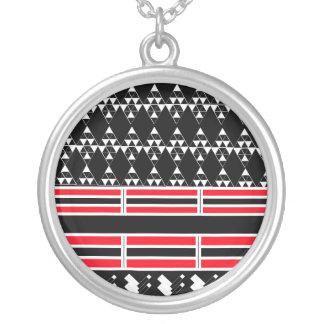Geometrische schwarze und rote Halskette