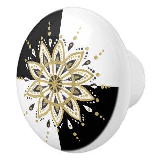 Geometrischer Hintergrund der Goldweißen u. Keramikknauf