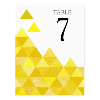 Geometrisches gelbes Gold der Dreieck-Tischnummern Postkarte