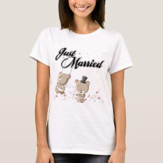 Gerade verheiratete Teddy-Bären T-Shirt