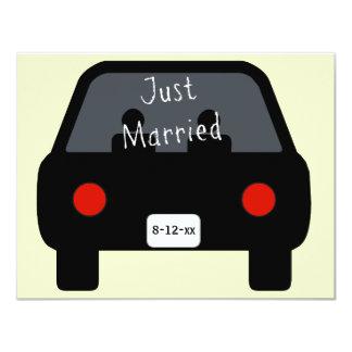 Gerade verheiratetes Auto 10,8 X 14 Cm Einladungskarte