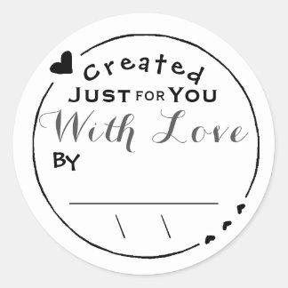 Geschaffen mit Liebe-Grafik-Unterzeichnung/Datum Runder Aufkleber