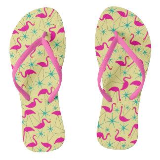 Geschickte Fünfzigerjahre - rosa Flamingos und Flip Flops