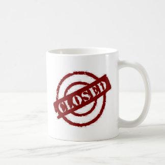 geschlossenes Rot der Briefmarke Kaffeetasse