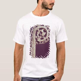 Geschnitzter Griff des Hakens eines Bischofs, T-Shirt