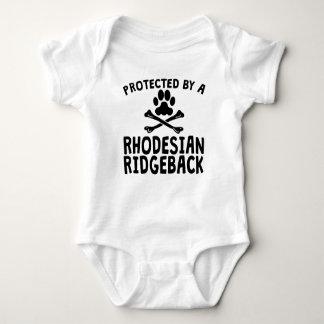 Geschützt durch ein Rhodesian Ridgeback Baby Strampler