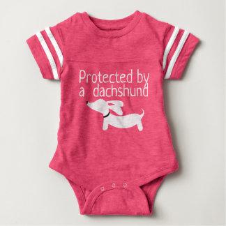 Geschützt durch eine baby strampler