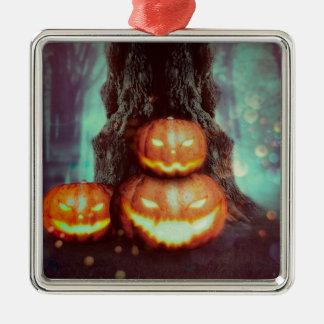 Gespenstischer Baum mit Kürbisen 2 Quadratisches Silberfarbenes Ornament
