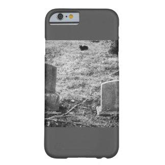 Gespenstischer Halloween-Friedhofs-schwarze Katze Barely There iPhone 6 Hülle
