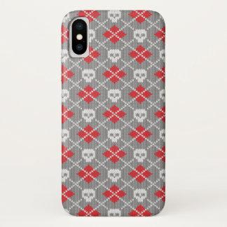 Gestricktes Muster mit den Schädeln iPhone X Hülle