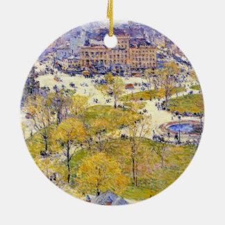 Gewerkschafts-Quadrat im Frühling durch Childe Rundes Keramik Ornament