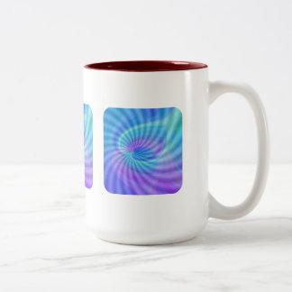 Gewirbelte Herzen Zweifarbige Tasse