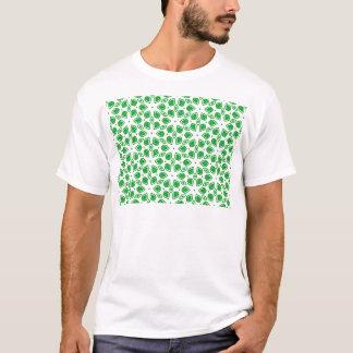 Gezeichnetes Blattentwurfsmuster T-Shirt