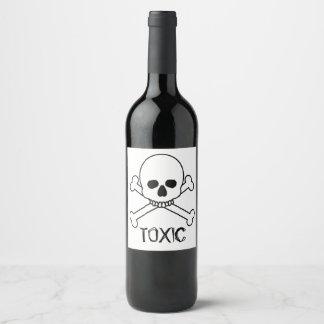 Giftiger Totenkopf mit gekreuzter Knochen-Entwurf Weinetikett
