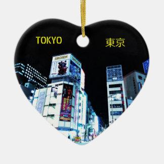 Ginza Bezirk in Tokyo, Japan nachts Keramik Herz-Ornament