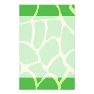Giraffen-Druck-Muster im Dschungel-Grün 14 X 21,6 Cm Flyer